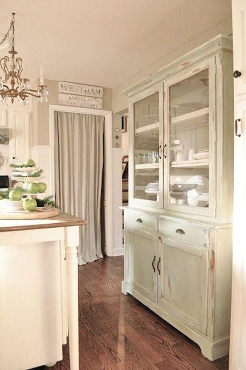Фотография: Кухня и столовая в стиле Прованс и Кантри, Декор интерьера, Текстиль, Советы, Шторы, Балдахин – фото на INMYROOM