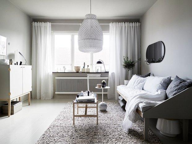 Фотография:  в стиле , Малогабаритная квартира, Советы, как обустроить однушку, гардеробная в однушке, интерьер однушки – фото на INMYROOM