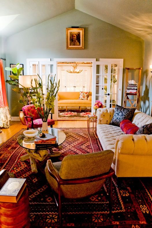Фотография: Гостиная в стиле Прованс и Кантри, Восточный, Декор интерьера, Дом, Декор, Декор дома, Цвет в интерьере – фото на INMYROOM