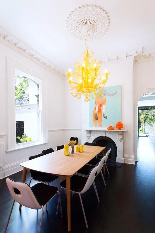 Фотография: Кухня и столовая в стиле Эклектика, Декор интерьера, Цвет в интерьере, Текстиль, Картины, Желтый – фото на INMYROOM
