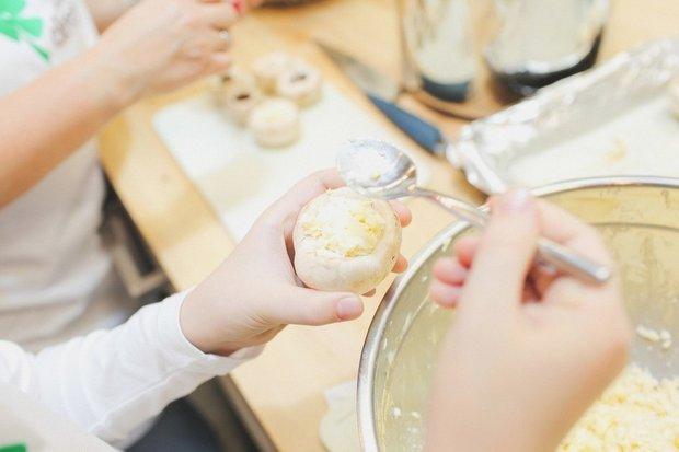 Фотография:  в стиле , Перекусить, Закуска, Выпекание, Закуски, Кулинарные рецепты, 30 минут, Пришли гости, Европейская кухня – фото на INMYROOM