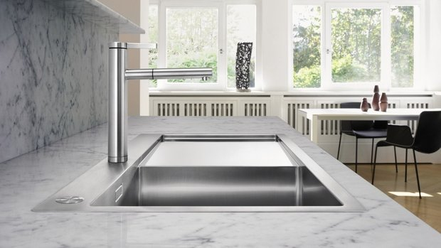 Фотография:  в стиле , Кухня и столовая, Советы, Blanko, смеситель на кухню, кухонный смеситель, как выбрать смеситель – фото на INMYROOM
