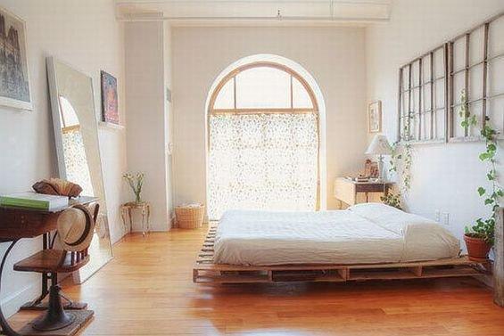 Фотография: Спальня в стиле Скандинавский, Эко, Декор интерьера, DIY, Квартира, Дом, Мебель и свет – фото на INMYROOM