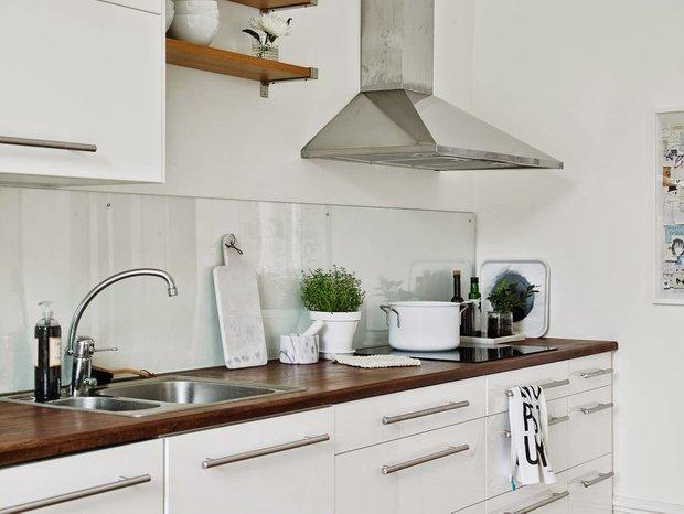 Фотография: Кухня и столовая в стиле Современный, Интерьер комнат, kuhnya-8-kv-metrov – фото на INMYROOM