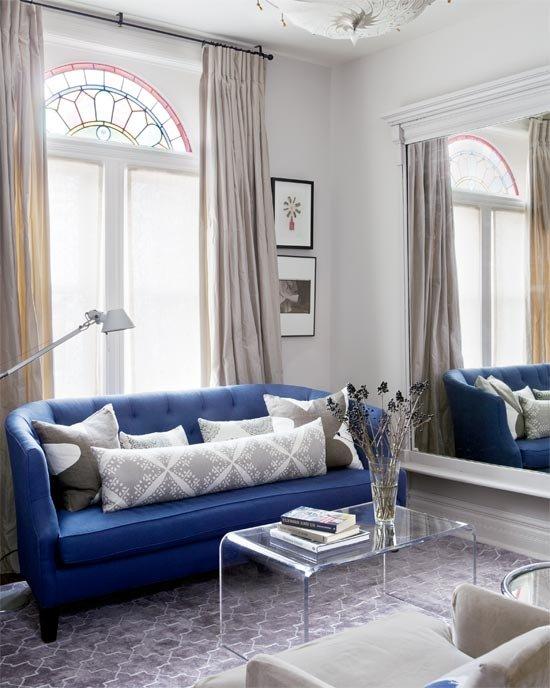Фотография: Гостиная в стиле Современный, Декор интерьера, Дом, Стиль жизни, Советы, Зеркала – фото на INMYROOM