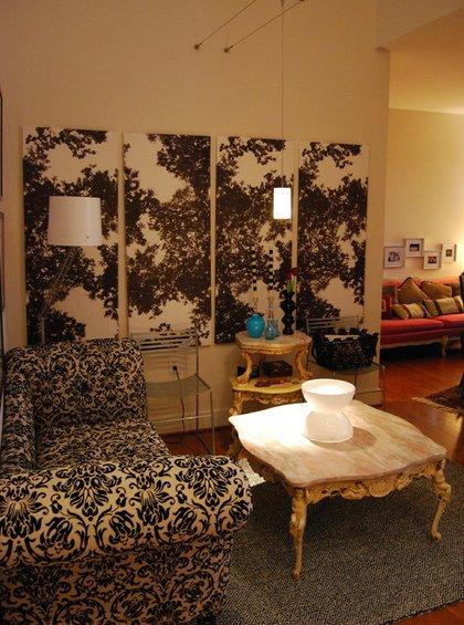 Фотография: Гостиная в стиле Эклектика, Декор интерьера, Декор дома, Цвет в интерьере, Обои – фото на INMYROOM