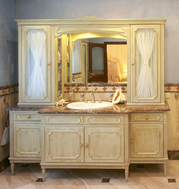 Фотография: Ванная в стиле Классический, Современный, Декор интерьера, МЭД, Мебель и свет, Краска – фото на INMYROOM