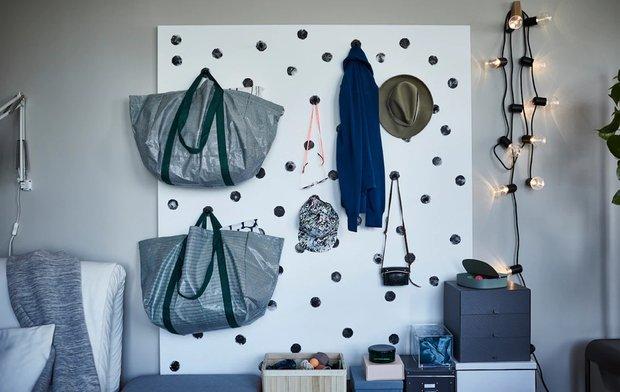 Фотография: Прихожая в стиле Скандинавский, Малогабаритная квартира, Гид, ИКЕА, как оформить малогабаритку, идеи для малогабаритки – фото на INMYROOM