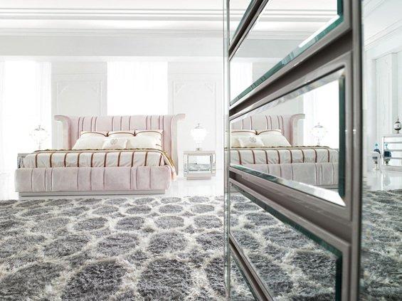 Фотография: Спальня в стиле Классический, Декор интерьера, Мебель и свет – фото на INMYROOM