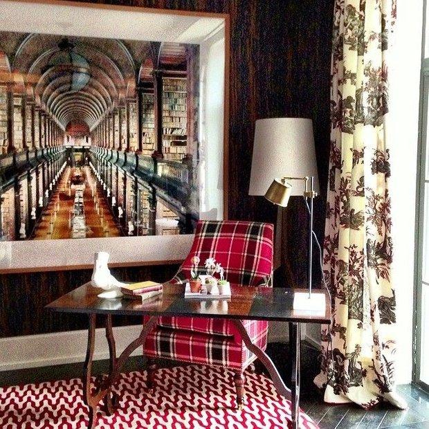 Фотография: Мебель и свет в стиле , Декор интерьера, Франция, Антиквариат, Цвет в интерьере, Индустрия, Люди, История дизайна, Ампир – фото на INMYROOM