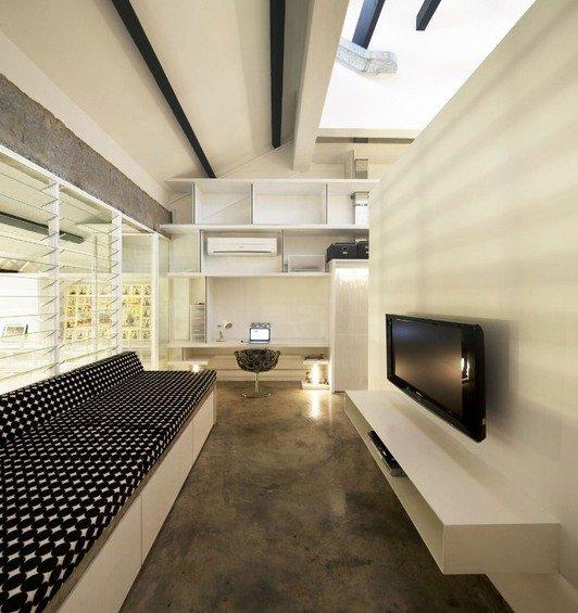 Фотография: Гостиная в стиле Лофт, Квартира, Дома и квартиры, Лестница – фото на INMYROOM