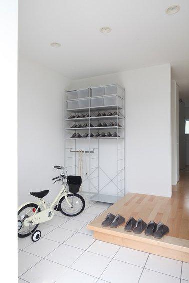 Фотография: Гардеробная в стиле Современный, Дом, Дома и квартиры, Япония – фото на InMyRoom.ru