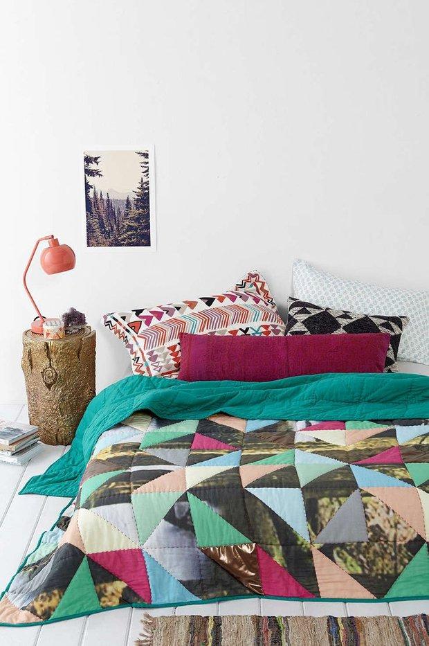 Фотография: Спальня в стиле Скандинавский, Интерьер комнат, Подушки, Ковер – фото на INMYROOM