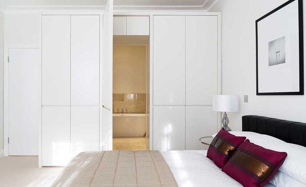 Фотография: Спальня в стиле Минимализм, Декор интерьера – фото на INMYROOM