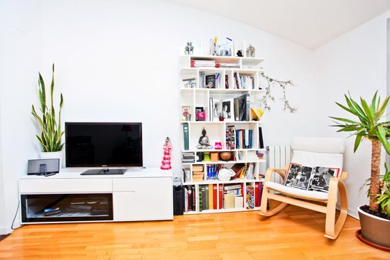 Фотография: Гостиная в стиле Скандинавский, Современный, Квартира, Цвет в интерьере, Дома и квартиры, Белый, Барселона – фото на InMyRoom.ru