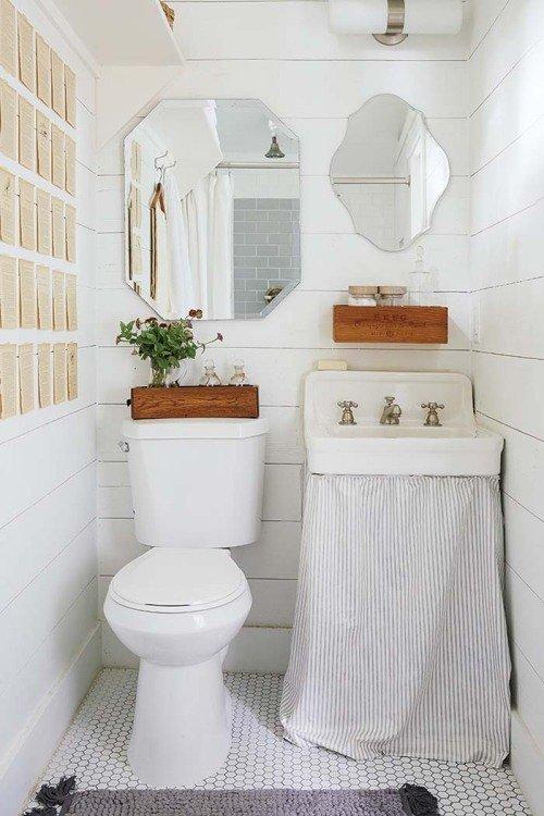 Фотография: Ванная в стиле Скандинавский, Мебель и свет, Белый, Переделка, Дача – фото на INMYROOM