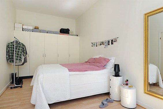 Фотография: Спальня в стиле Скандинавский, Минимализм, Декор интерьера, Интерьер комнат, Цвет в интерьере, Белый – фото на INMYROOM