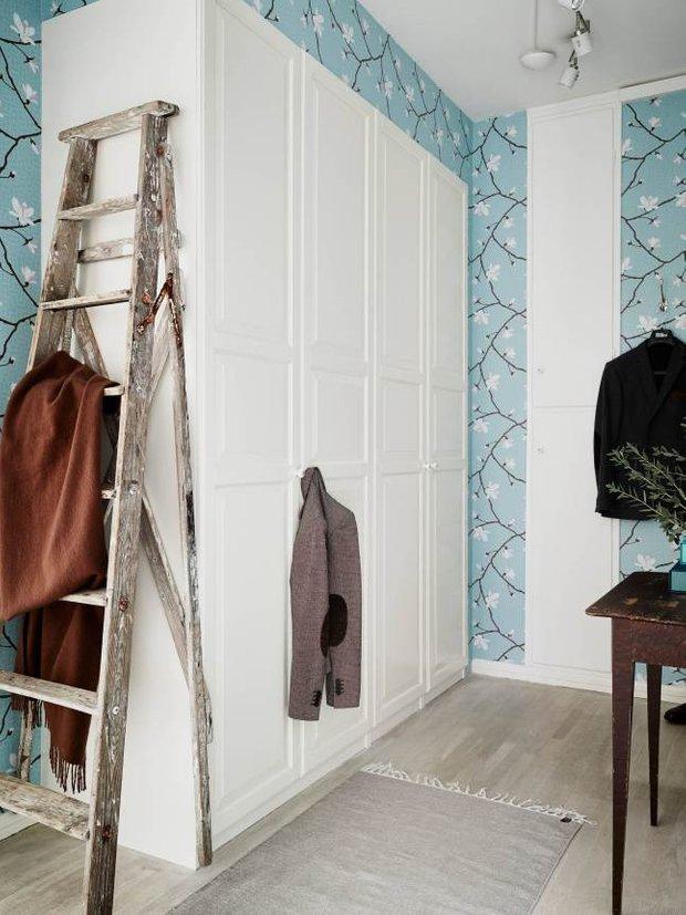 Фотография: Прихожая в стиле Скандинавский, Классический, Декор интерьера, Квартира, Швеция, Мебель и свет, Белый, квартира с изолированными комнатами, интерьер квартиры с изолированными комнатами – фото на InMyRoom.ru