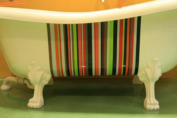 Фотография: Ванная в стиле Современный, Декор интерьера, DIY, Мебель и свет, Роспись – фото на InMyRoom.ru