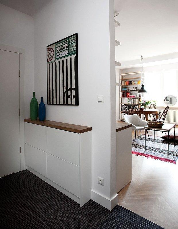 Фотография: Прихожая в стиле Скандинавский, Лофт, Квартира, Цвет в интерьере, Дома и квартиры, Белый, Стена – фото на INMYROOM