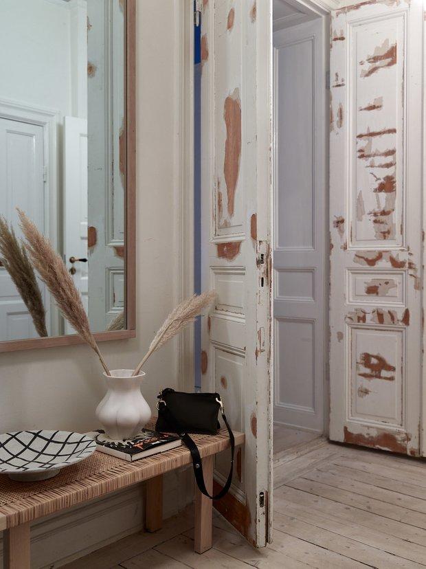 Фотография: Прихожая в стиле Скандинавский, Классический, Эклектика, Декор интерьера, Квартира, Швеция, Стокгольм, как оформить эклектичный интерьер, эклектика в нитерьере, 4 и больше, Более 90 метров – фото на INMYROOM