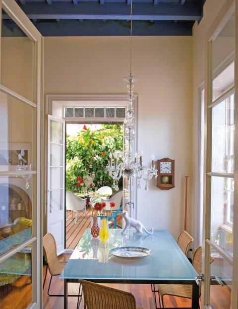 Фотография: Кухня и столовая в стиле Прованс и Кантри, Дома и квартиры, Интерьеры звезд, Ретро – фото на INMYROOM