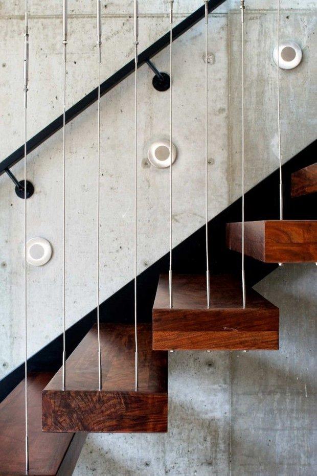 Фотография: Архитектура в стиле , Декор, Мебель и свет, Ремонт на практике, Никита Морозов, освещение для лестницы, какую выбрать лестницу, какие бывают лестницы, прямая лестница, винтовая лестница, лестница на больцах, подвесная лестница, ограждение для лестниц, как украсить лестницу – фото на INMYROOM