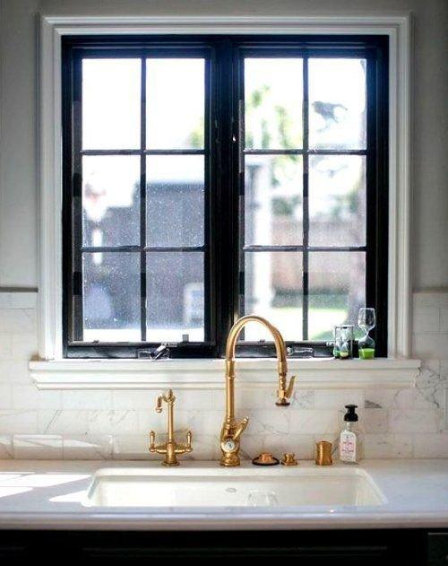 Фотография:  в стиле , Квартира, Советы, Ремонт на практике, как покрасить пластиковое окно, пластиковое окно, пластиковые окна, декор пластикового окна – фото на INMYROOM