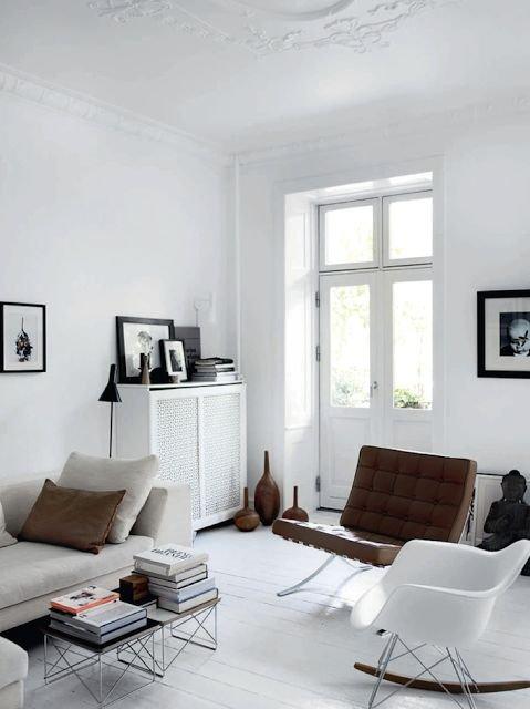 Фотография: Гостиная в стиле Скандинавский, Декор интерьера, Швеция, Декор дома, Цвет в интерьере, Белый – фото на INMYROOM