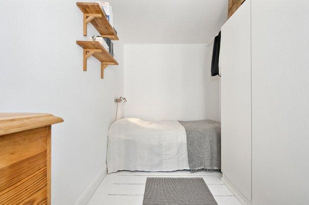 Фотография: Спальня в стиле Скандинавский, Малогабаритная квартира, Квартира, Цвет в интерьере, Дома и квартиры, Белый – фото на INMYROOM