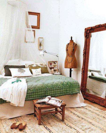 Фотография: Спальня в стиле Прованс и Кантри, Восточный, Декор интерьера, Квартира, Цвет в интерьере, Дома и квартиры, Стены – фото на INMYROOM