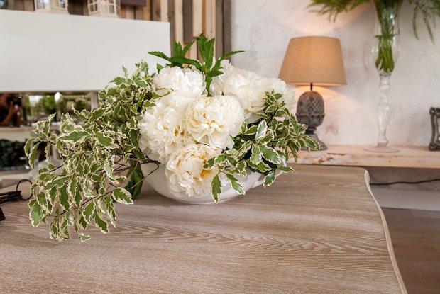 Фотография: Флористика в стиле , Дом, Интерьер комнат, Прованс, Дача, Камин – фото на INMYROOM