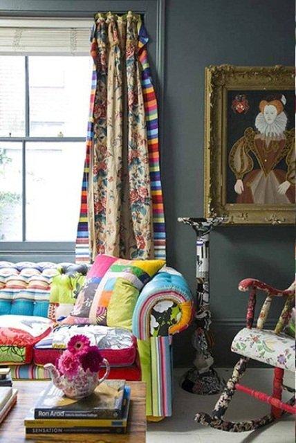 Фотография: Гостиная в стиле Эклектика, Восточный, Декор интерьера, Декор, Красный, Желтый, Синий, Розовый, Фуксия – фото на INMYROOM