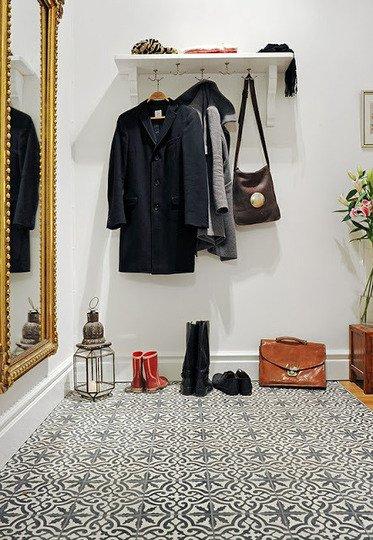 Фотография: Прихожая в стиле Прованс и Кантри, Декор интерьера, Декор дома, Плитка – фото на INMYROOM