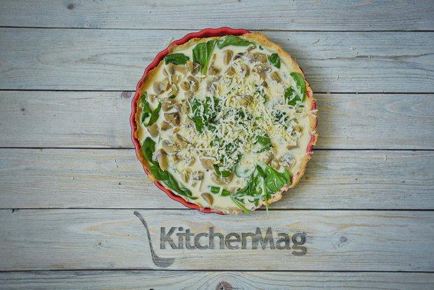Фотография:  в стиле , Завтрак, Ужин, Основное блюдо, Выпекание, Французская кухня, Кулинарные рецепты, Тесто, Легкий завтрак, 2 часа, Завтраки, Готовит KitchenMag, Вкусные рецепты, Домашние рецепты, Пошаговые рецепты, Новые рецепты, Рецепты вторых блюд, Рецепты с фото, Как приготовить вкусно?, Что приготовить на ужин?, Средняя сложность, Яйца – фото на INMYROOM