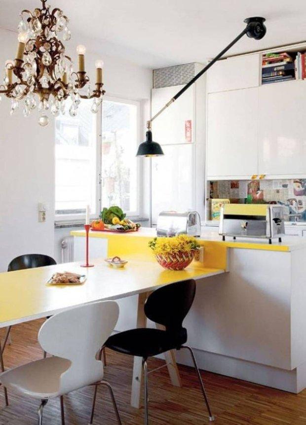 Фотография: Кухня и столовая в стиле Эклектика, Малогабаритная квартира, Интерьер комнат – фото на INMYROOM