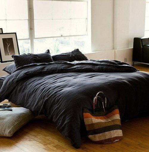 Фотография: Спальня в стиле Современный, Интерьер комнат, Кровать, Гардероб, Комод, Пуф, Табурет – фото на INMYROOM