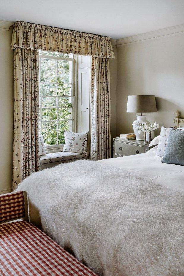 Фотография: Спальня в стиле Прованс и Кантри, Декор интерьера, Дом, Великобритания – фото на InMyRoom.ru