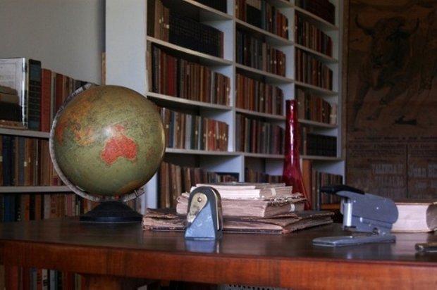 Фотография: Офис в стиле Прованс и Кантри, Классический, Современный, Дом, Дома и квартиры, Интерьеры звезд – фото на INMYROOM