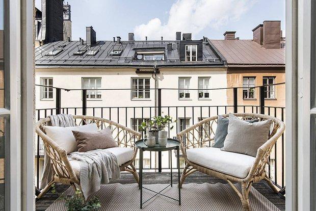 Фотография: Балкон в стиле Скандинавский, Современный, Декор интерьера, Квартира, Студия, Белый, Минимализм, Черный, до 40 метров – фото на INMYROOM