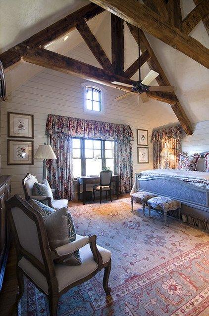 Фотография: Спальня в стиле Прованс и Кантри, Классический, Современный, Декор интерьера, Дом, Декор дома, Мансарда – фото на INMYROOM