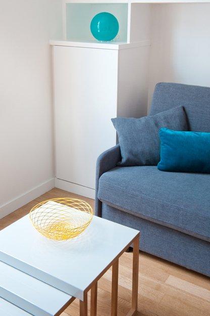 Фотография: Гостиная в стиле Эклектика, Декор интерьера, Малогабаритная квартира, Квартира, Дома и квартиры – фото на INMYROOM