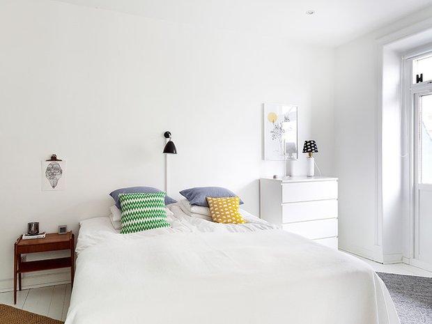 Фотография: Спальня в стиле Скандинавский, Декор интерьера, Квартира, Цвет в интерьере, Дома и квартиры, Стены, Пол – фото на InMyRoom.ru