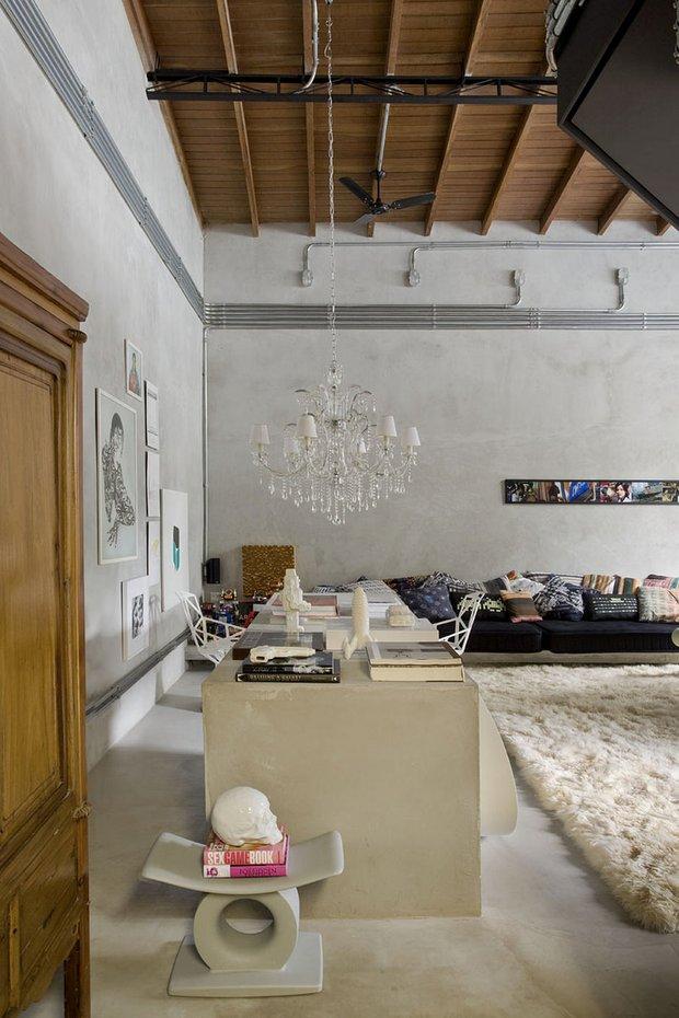 Фотография: Гостиная в стиле Прованс и Кантри, Классический, Лофт, Современный, Квартира, Дома и квартиры, Интерьеры звезд – фото на INMYROOM