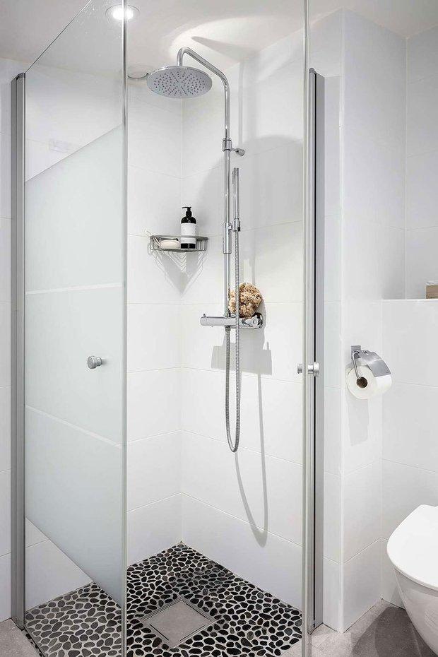 Фотография: Ванная в стиле Минимализм, Советы, уборка ванной комнаты, Уборка, Meine Liebe, Сантехника – фото на INMYROOM