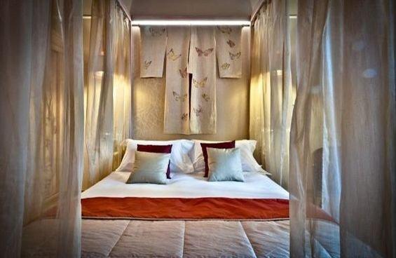 Фотография: Спальня в стиле Восточный, Дома и квартиры, Городские места, Отель, Модерн, Милан, Замок – фото на INMYROOM