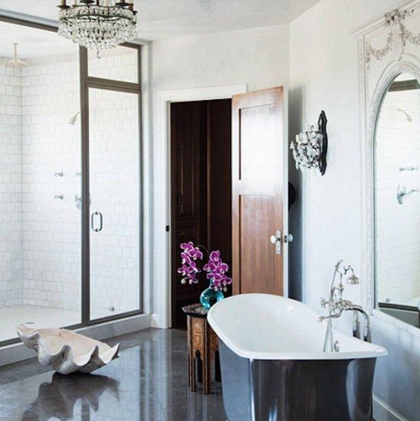 Фотография: Ванная в стиле Классический, Современный, Эклектика, Дом, Дома и квартиры, Интерьеры звезд – фото на INMYROOM