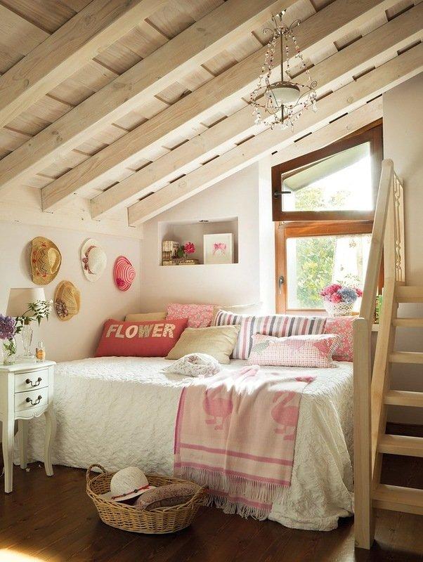 Фотография: Спальня в стиле Прованс и Кантри, Дом, Чердак, Мансарда – фото на INMYROOM