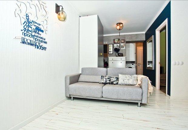Фотография: Гостиная в стиле Современный, Малогабаритная квартира, Индустрия, События, Проект недели, Перепланировка – фото на INMYROOM