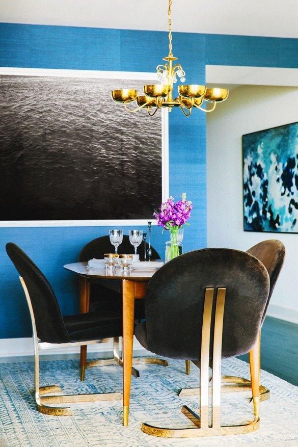 Фотография: Кухня и столовая в стиле Эклектика, Декор интерьера, Дизайн интерьера, Цвет в интерьере, Черный, Желтый, Синий, Серый – фото на INMYROOM